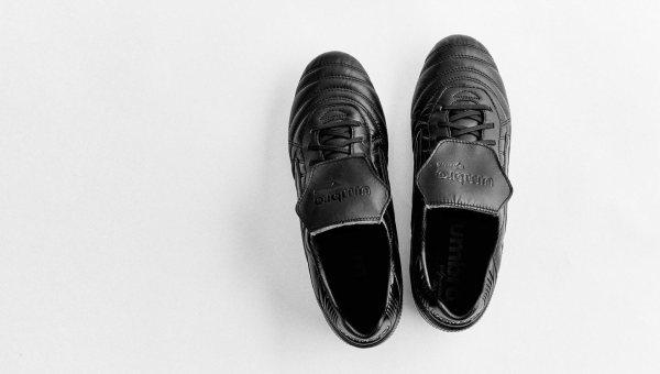6287c3ed2b6180 Umbro Speciali Eternal Black/Black | Volky Football Boots
