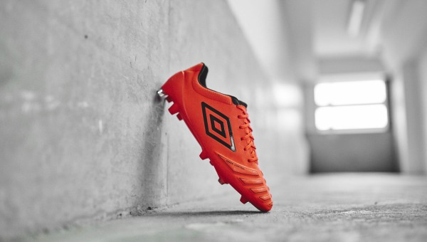 50722863f Umbro UX-Accuro Grenadine/Black | Volky Football Boots
